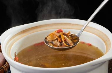 砂锅菌王汤